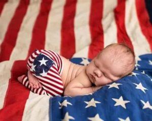 Что дают в сша за рождение ребенка