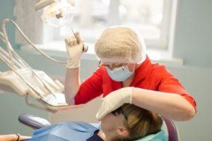 Вредность медсестры в стоматологии
